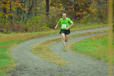 Gerry Sullivan in the home stretch (Photo by Tom Casper)