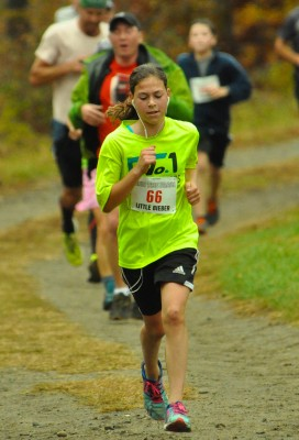 12 year old Sydney Bieber finishes strong in Run The Farm 2015.